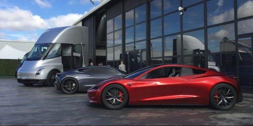 Tesla-family-Semi-Roadster-photo-e1577564694993
